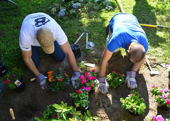 The Gardening Club plants roots at SHS