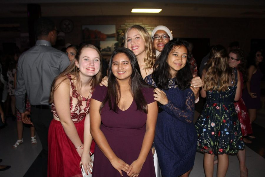 Check out the 2018 Homecoming Dance photo gallery!