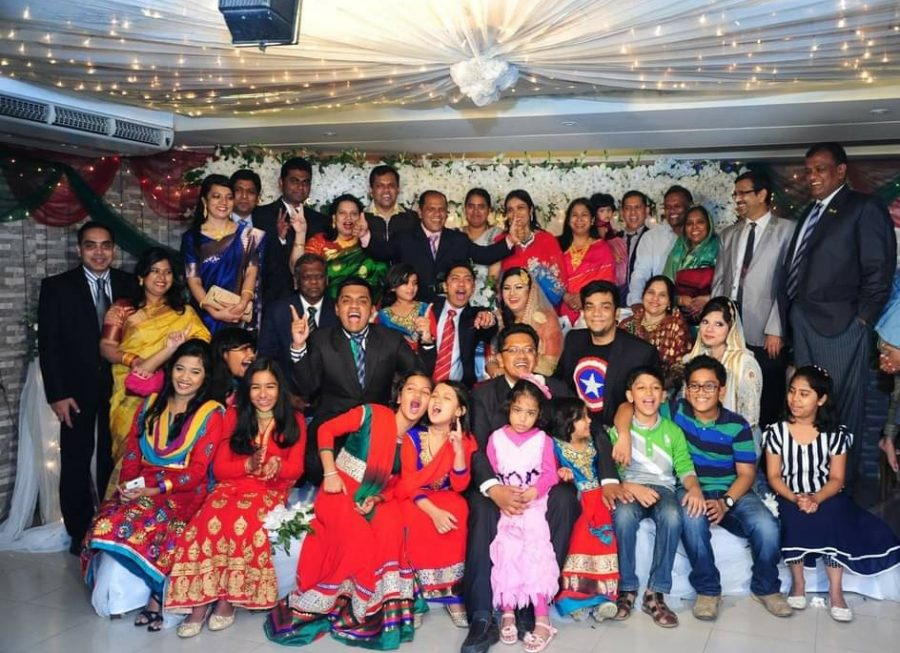 Photograph+of+Mehrin+Hossain%27s+family+at+a+wedding+in+Bangladesh.
