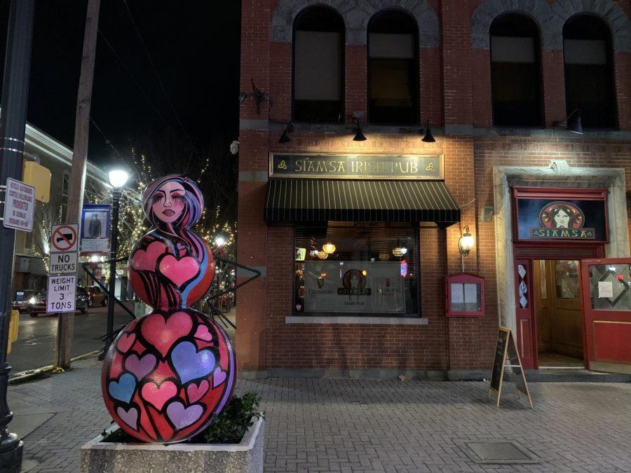 Snowman located directly outside of Siamsa Irish Pub on Main Street.