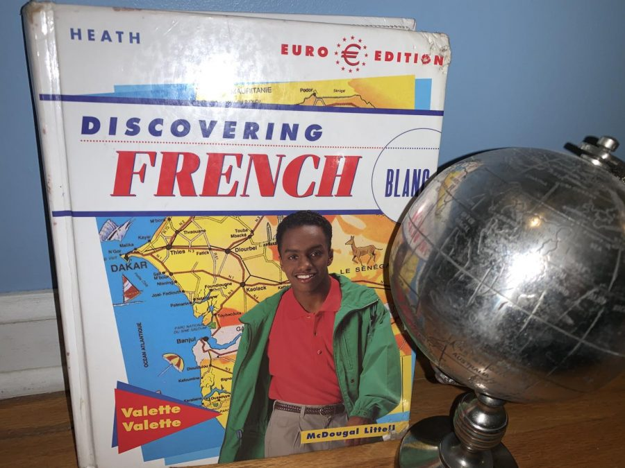 French textbook and globe.